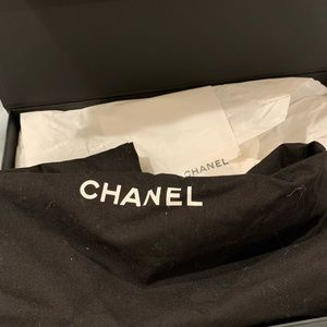 CHANEL Bags - Chanel boy medium